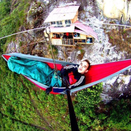 hanging hammock house in the air Abejorral Medellin