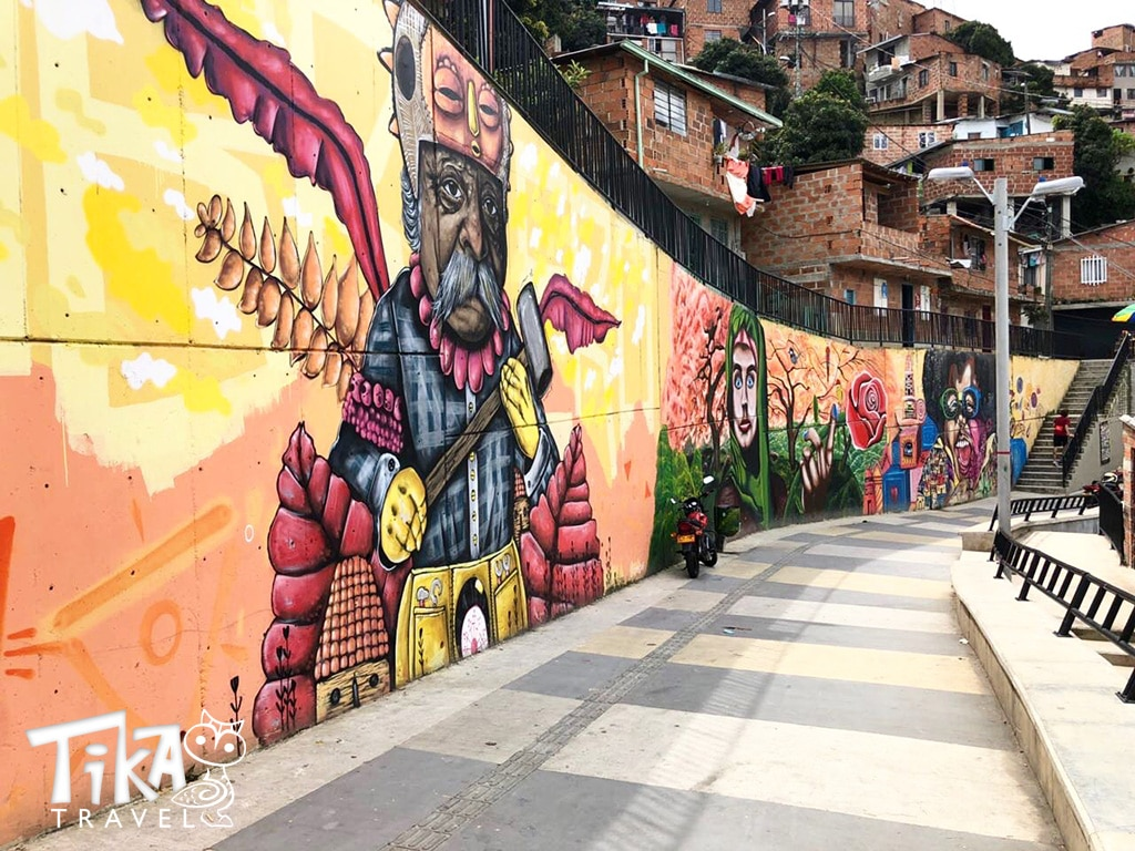 Graffiti Tour Comuna 13 Tika Travel Colombia